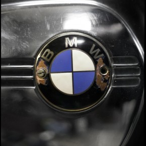 BMW R80 logo reservoir 290x290 BMW R80/7 by Blitz Motorcycles