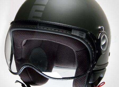 Screen shot 2011 03 15 at 13.42.16 450x330 - MOMO Fighter Helmet