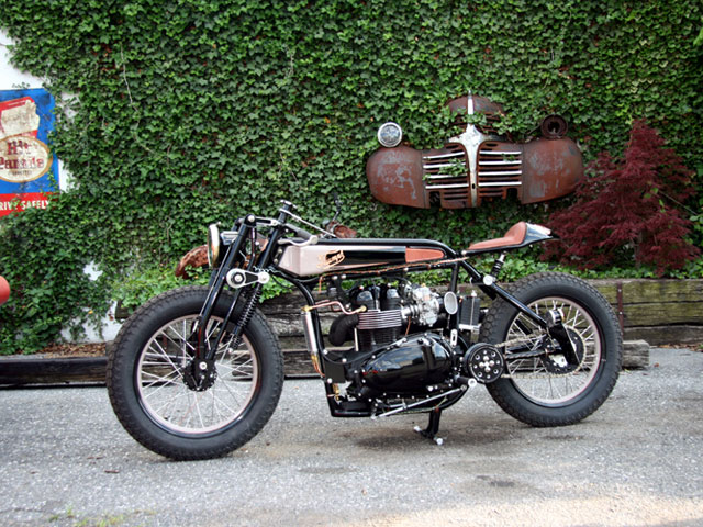 tt deluxe pic2 Triumph TT Deluxe Café Racer by LC Fabrications