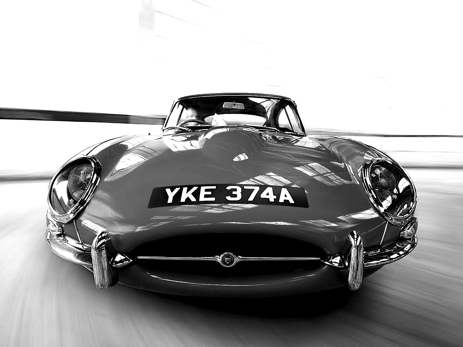 Jaguar E-Type Black and White Wallpaper