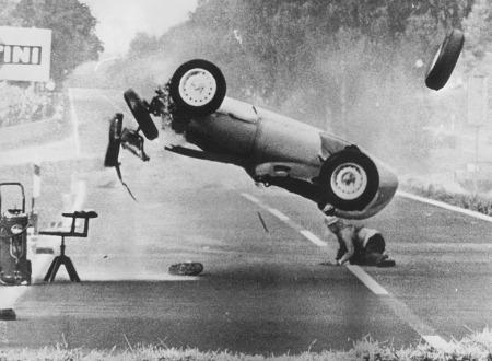 Screen shot 2011 05 07 at 11.51.27 450x330 - Hans Herrman's '59 German GP Crash