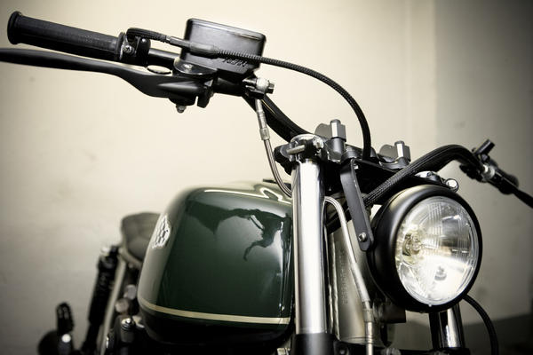 a8i3670seleccionaltas detalle Military Gold by CRD Motorcycles