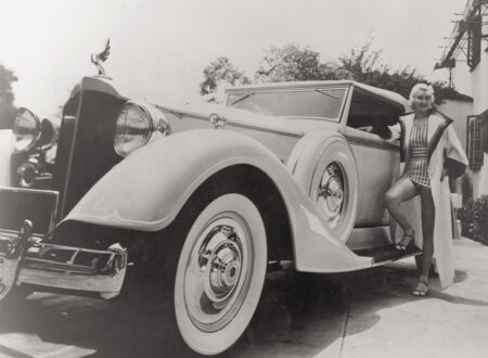 1934_Packard_Super_Eight_Convertible_Victoria