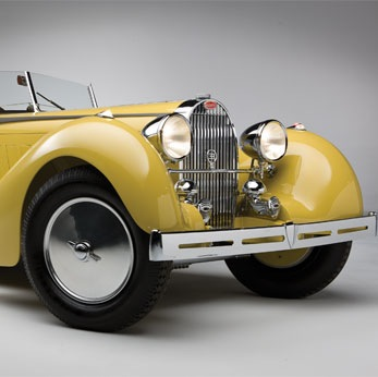 Swiss coachbuilder Worblaufen were responsible for some truly remarkable auto designs between 1929 and 1958, the Bugatti pictured above and below is a fine example of Worblaufen work and it's also quite possibly his most famous project.