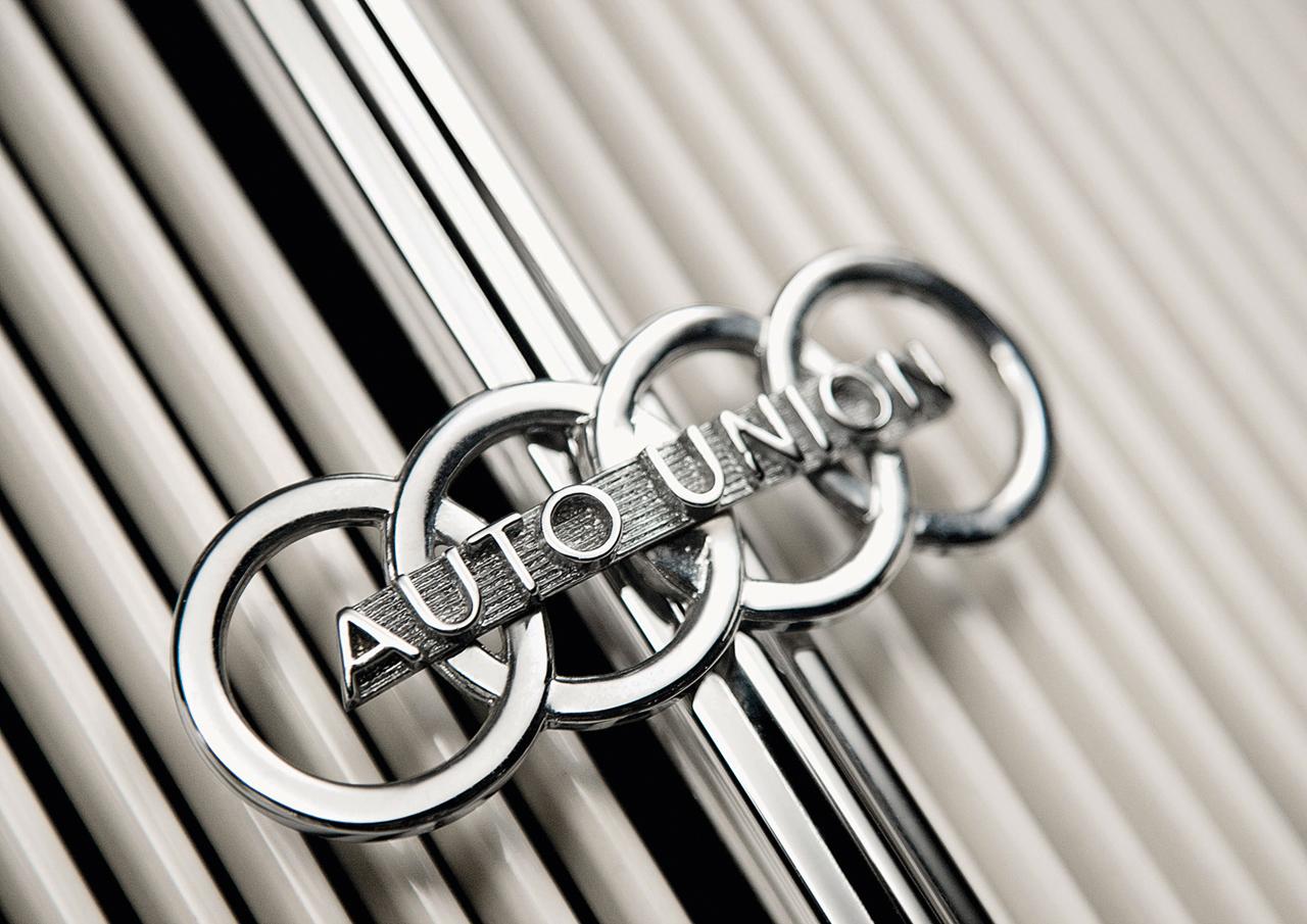 Vintage Audi Grill