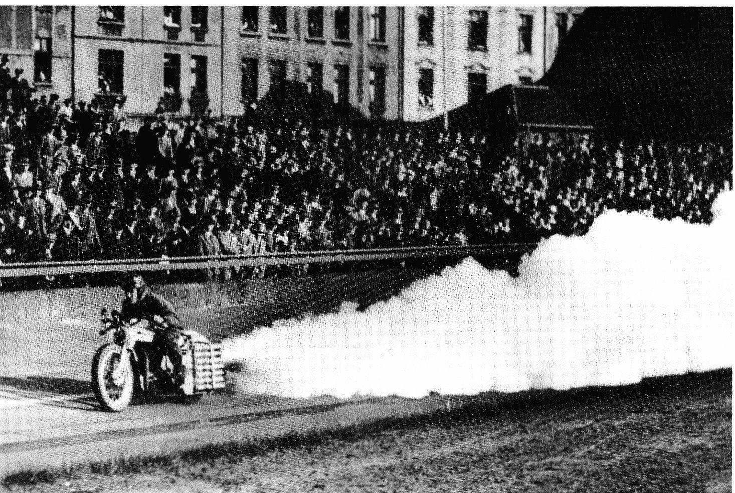 Fritz-Von-Opel-Rocket-Motorcycle-2.jpg