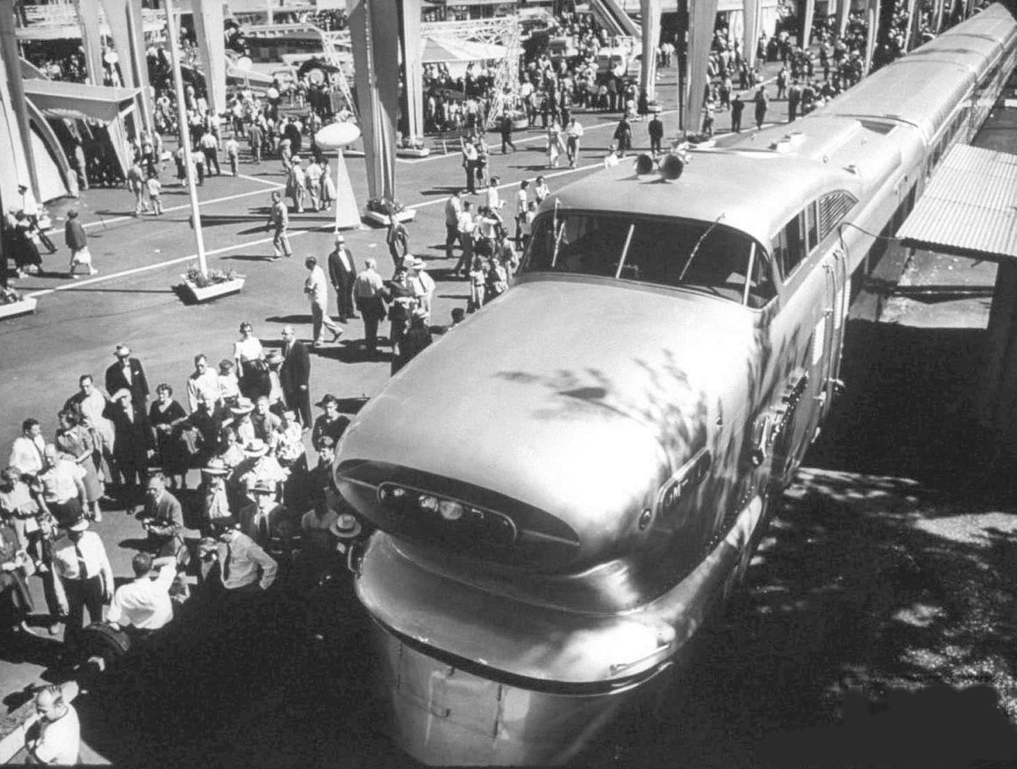 General Motors Aerotrain Pictures And History