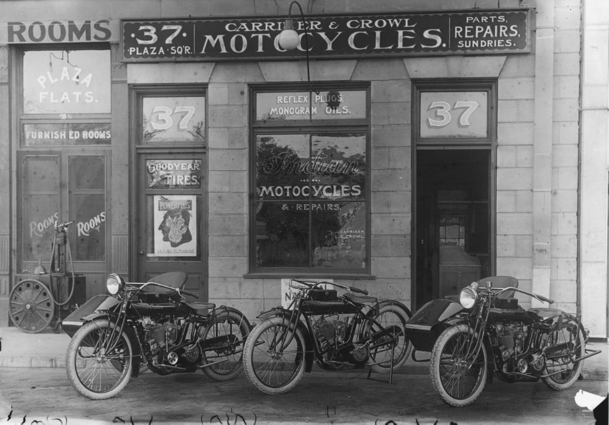 vintage motorcycle pictures  Vintage Indian Motorcycle Store - (SILODROME)