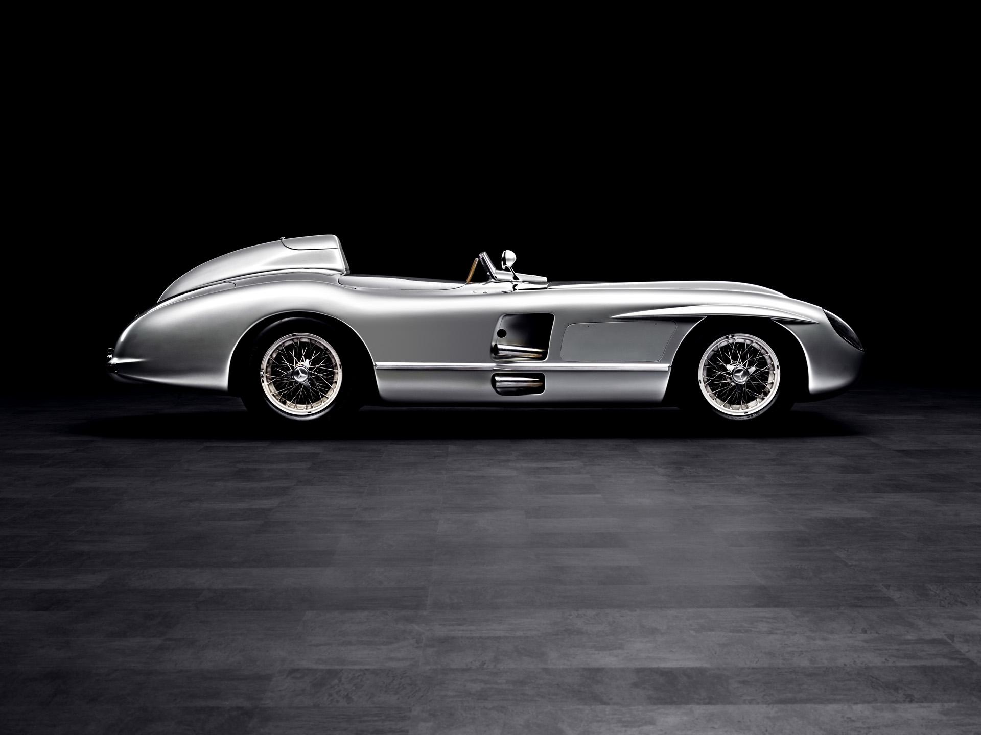 SLR 1954 Exterieur Fahrerseite Boden Hintergrund 001