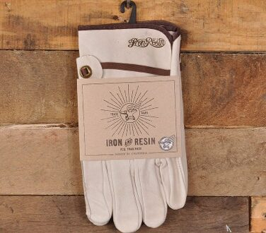 Motorcycle Gloves Retro 376x330 - Knuckler Glove by Iron & Resin