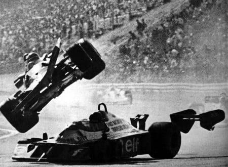 1977gillesvilleneuvefer 03 450x330 - Gilles Villeneuve and Ronnie Peterson Accident - Fuji Speedway 1977