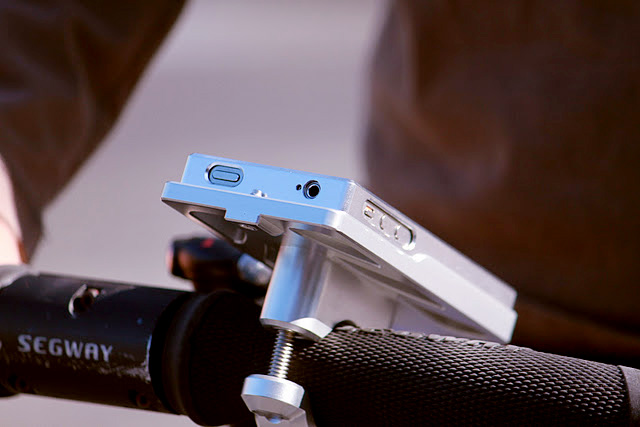 Track His Phone >> AeroDynamic iPhone Motorcycle Mount - (SILODROME)