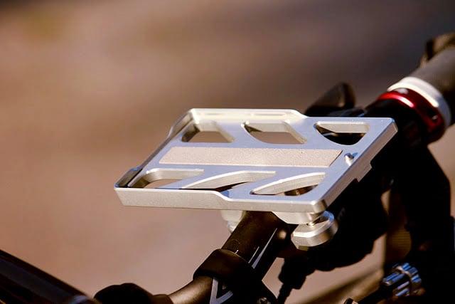 AeroDynamic iPhone Motorcycle Mount 2
