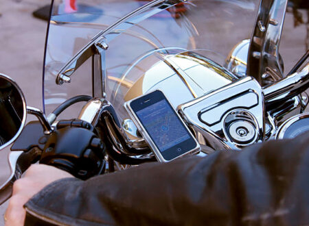 AeroDynamic iPhone Motorcycle Mount