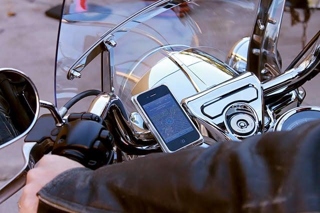 AeroDynamic iPhone Motorcycle Mount