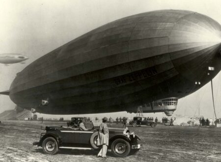 1929 Packard and the Graf Zeppelin 450x330 - The Graf Zeppelin