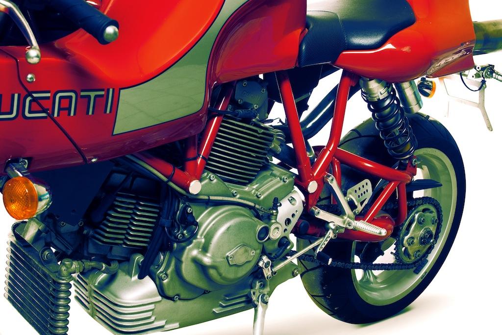 Ducati MHe 900e 11 Ducati MHe 900e