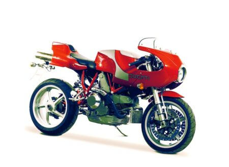 Ducati MHe 900e 9 450x330 - Ducati MHe 900e