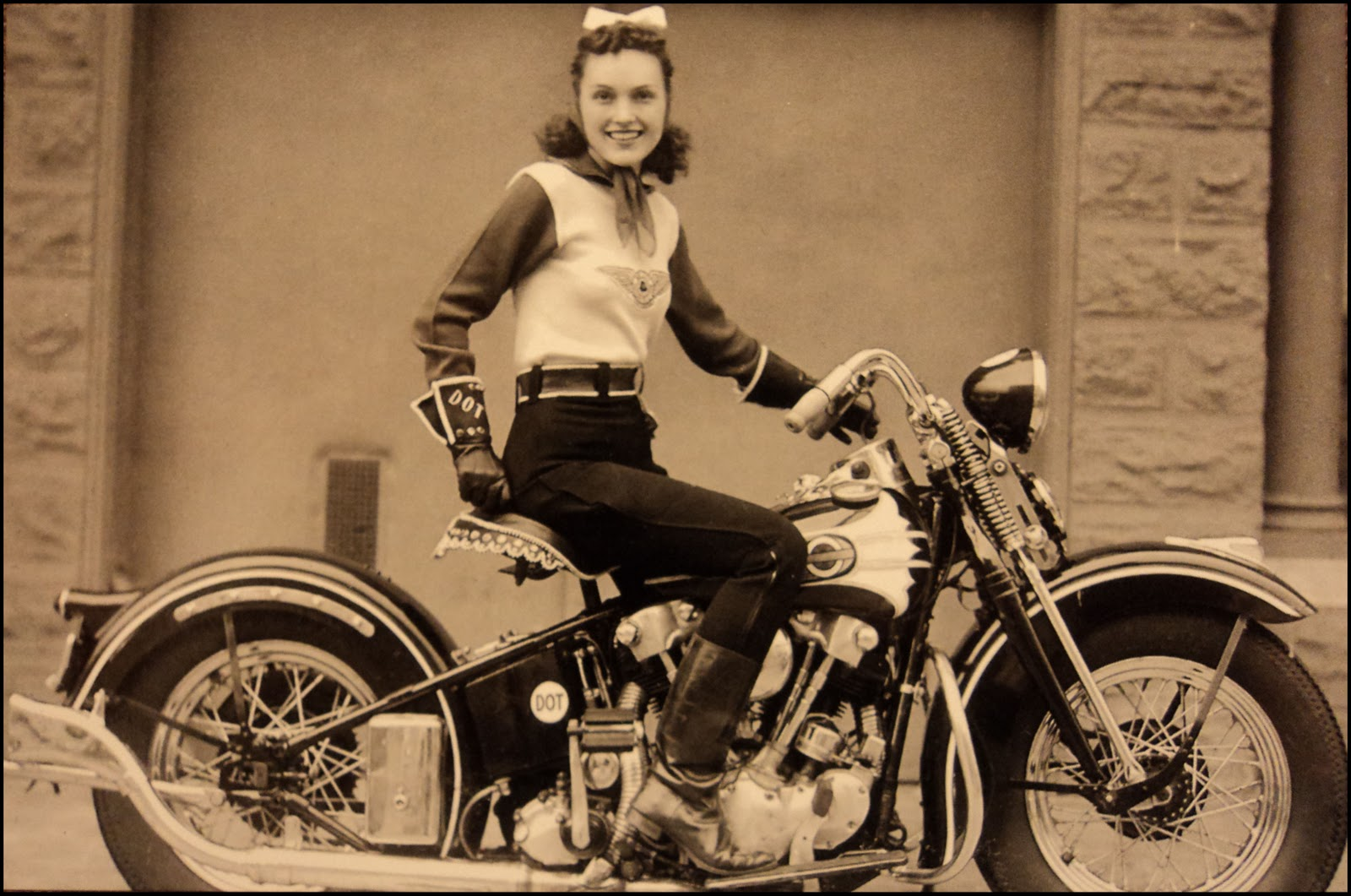 dot smith on 1939 knucklehead el