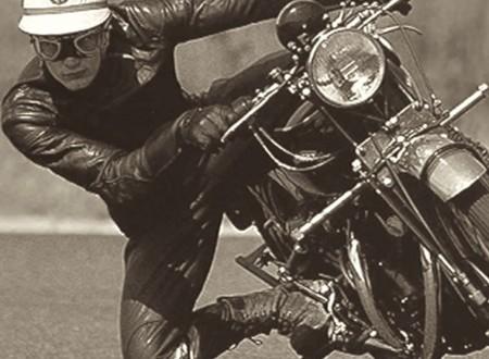 John Surtees Getting His Knee Down1 450x330 - John Surtees Getting His Knee Down