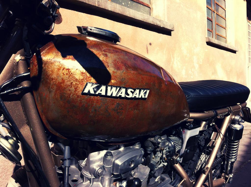 Kawasaki Z400 2