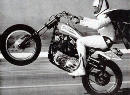 37557 450x330 - Evel Knievel - 19 Car Jump