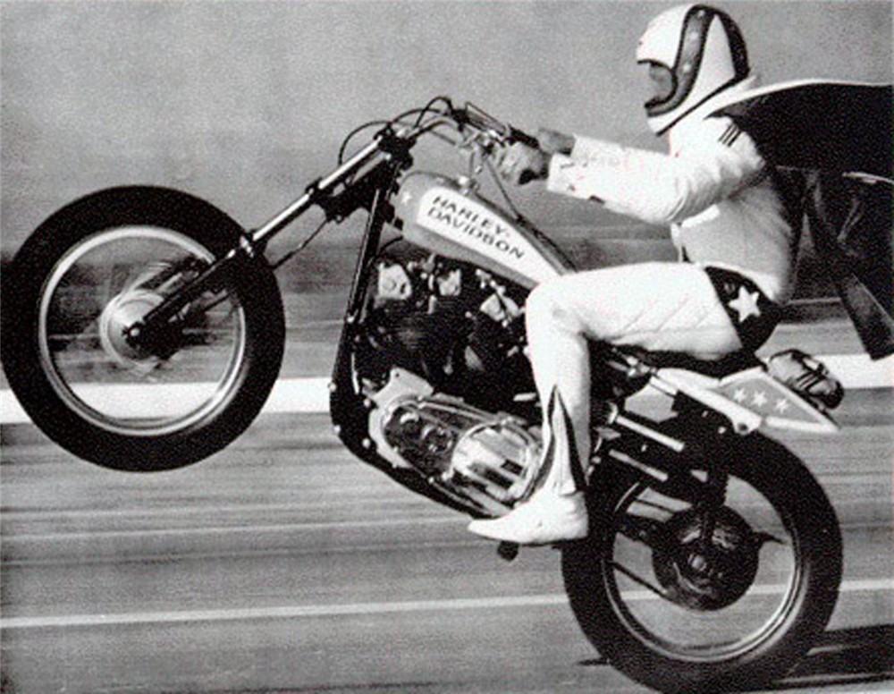 Evel Knievel   19 Car Jump