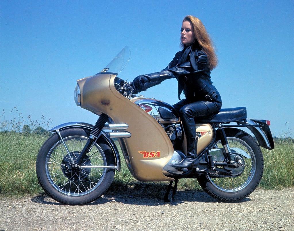 Fiona Volpe - Thunderball