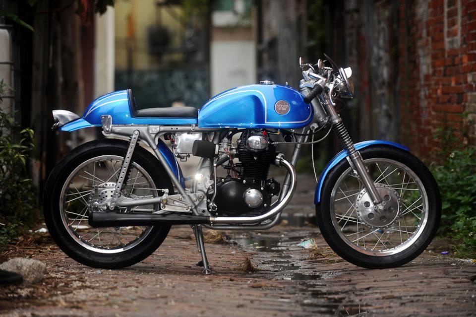 Honda CB350 Café Racer 4