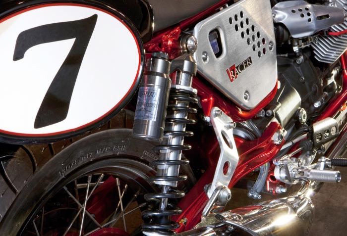 Moto Guzzi V7 Racer 4