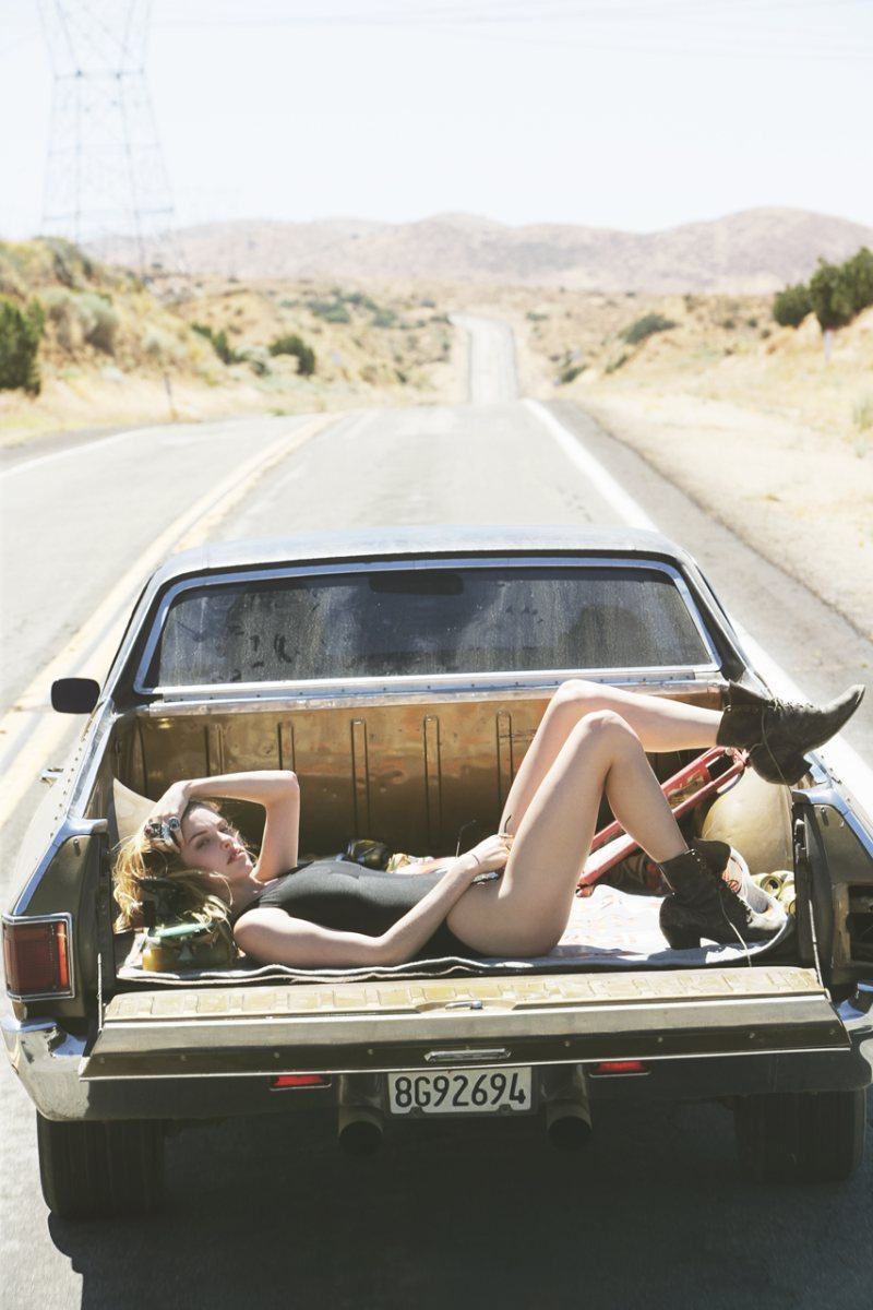 ute-car-girl