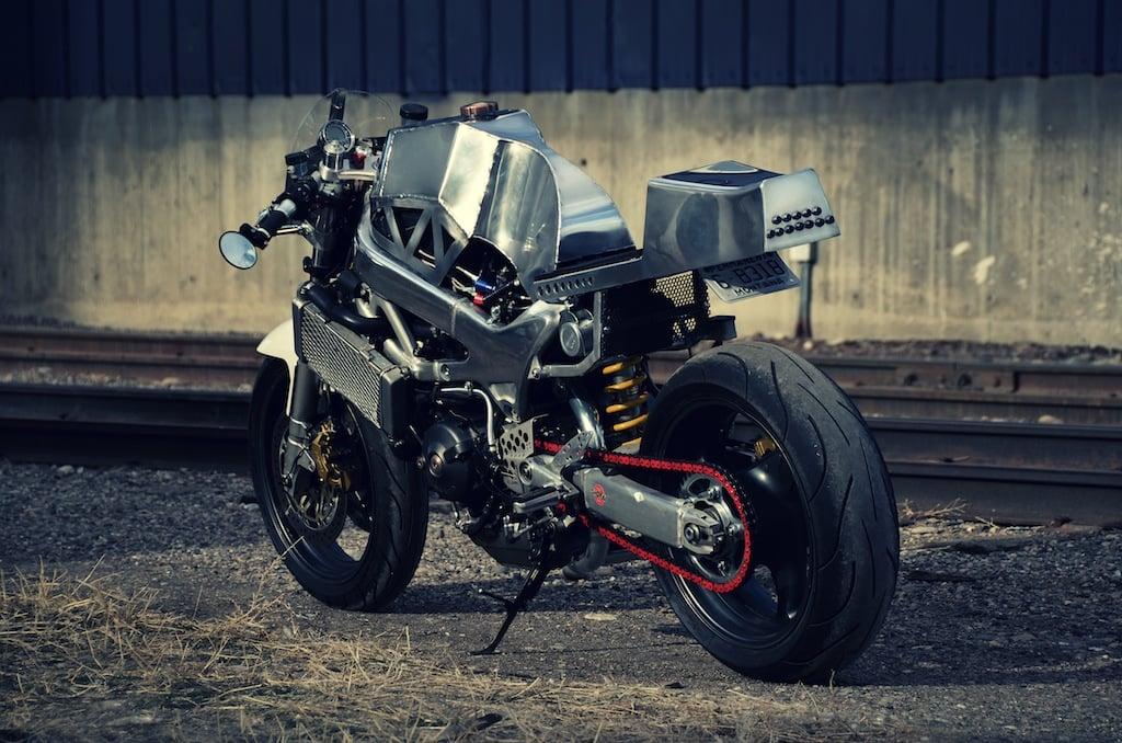 vtr4 2 Christine   The Nitros Huffing Honda VTR1000F