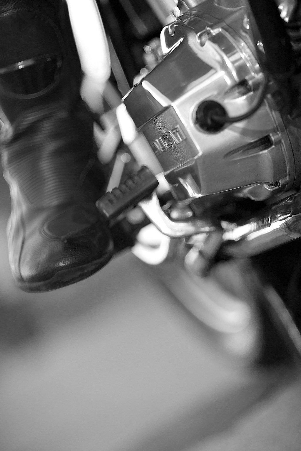 20R9943 copia Ducati 900 GTS de Nick Huber