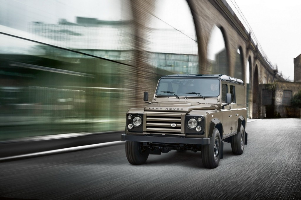 Land Rover Defender XTech 2