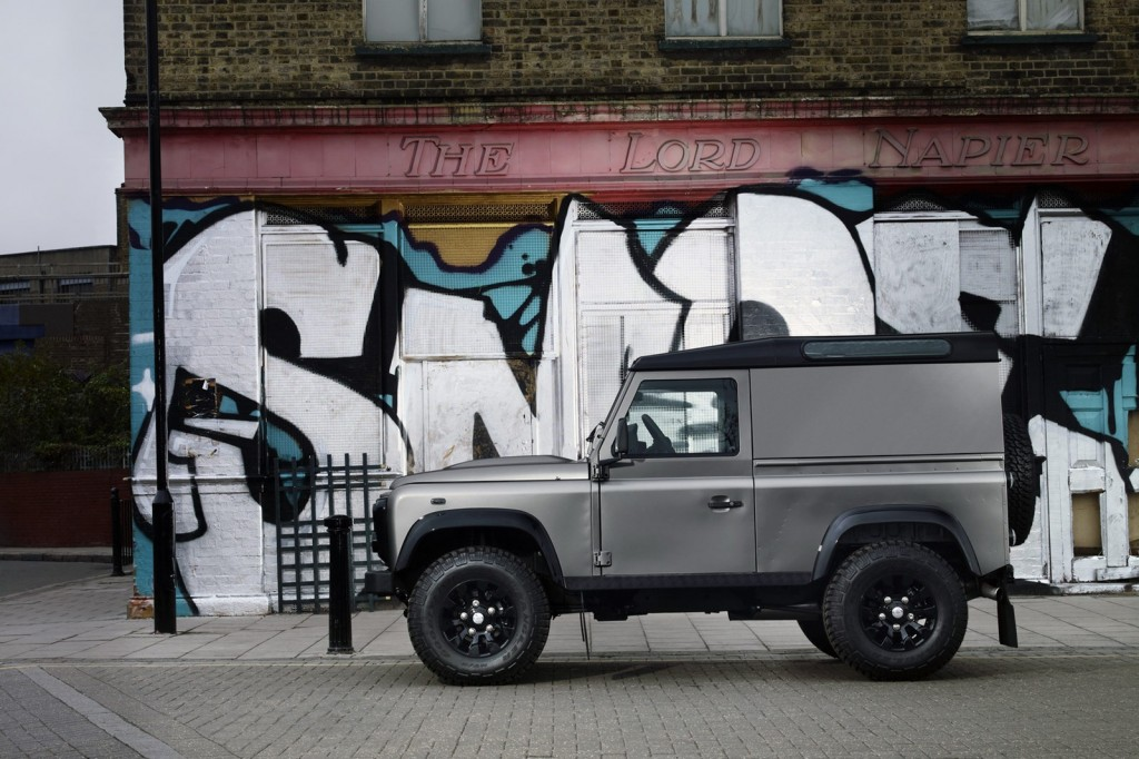 Land Rover Defender XTech 3