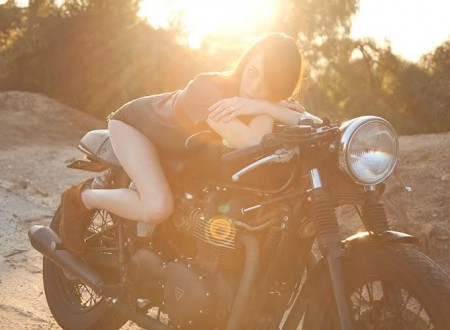 cafe racer girl 450x330 - Sunset Cafe Racer Girl