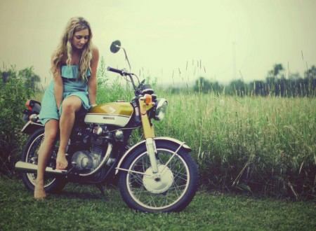 honda girl motorcycle 450x330 - Holga Honda