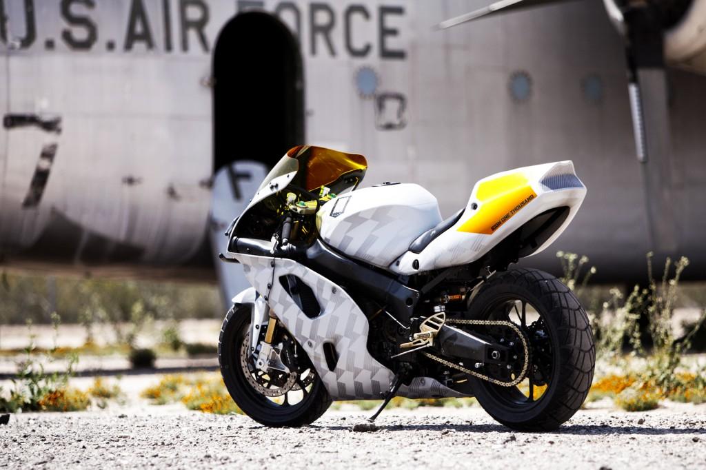 Kawasaki ZX 7 by Icon 1000 4 1024x682 Kawasaki ZX 7 by Icon 1000
