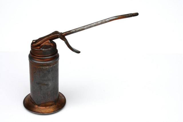 Vintage Oil Can 1