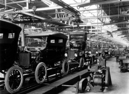 ford model t assembly line 450x330 - Ford Model T Assembly Line