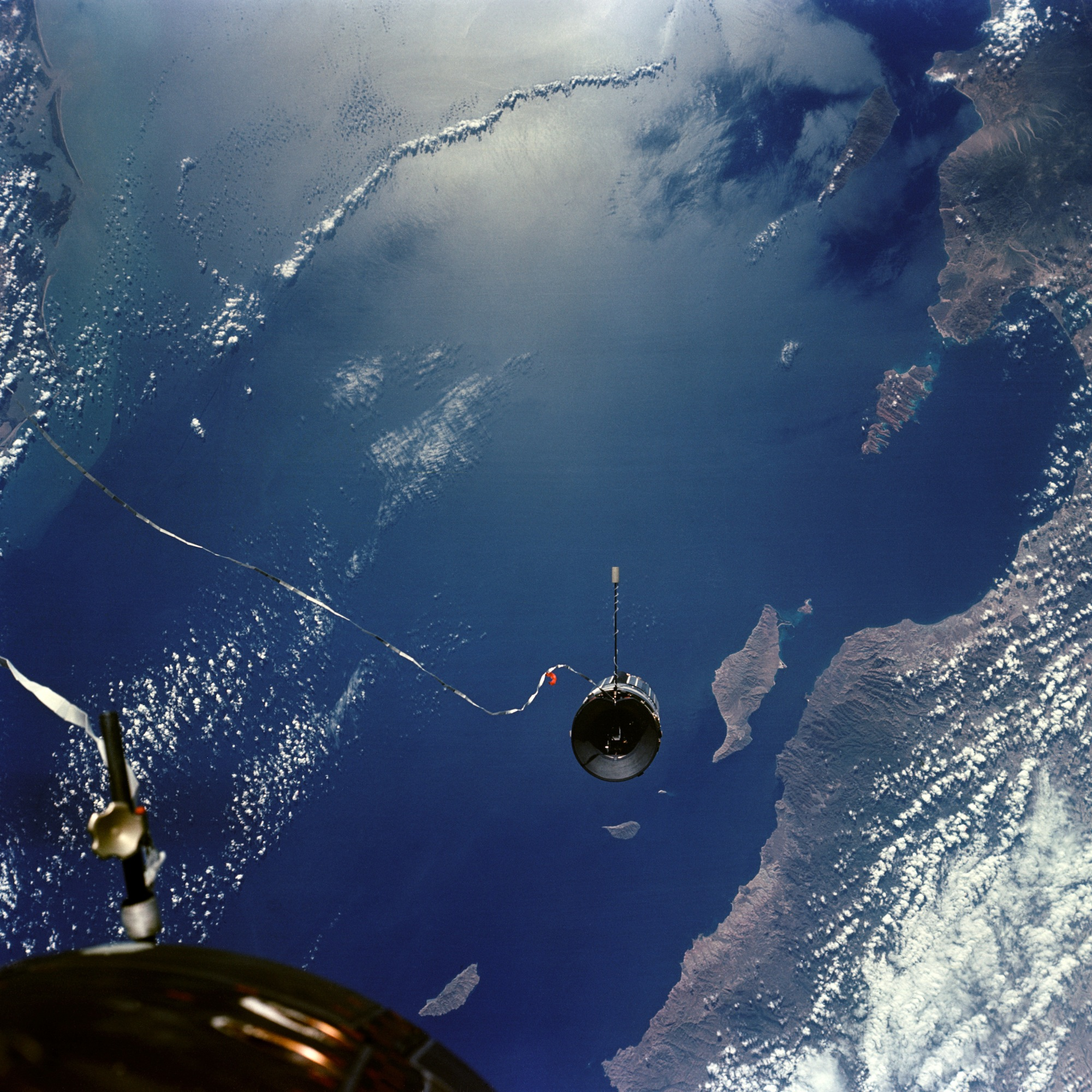 Gemini 11 Agena Gemini 11 and the Agena Target Vehicle