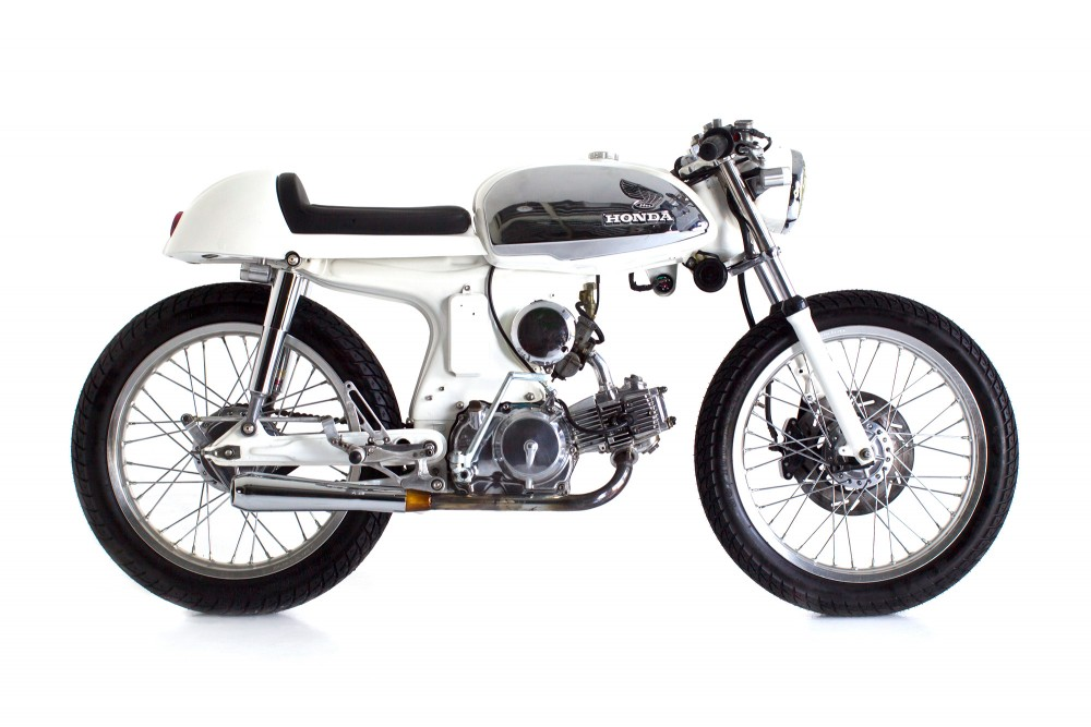 Honda S90 Cafe Racer Honda S90 Cafe Racer by Deus Ex Machina title=