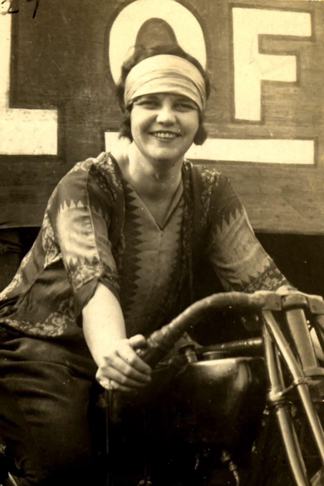 Hazel_Wall_of_Death_1927