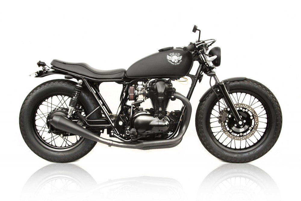 Kawasaki W650 custom  Le Gicleur Noire by Deus Ex Machina