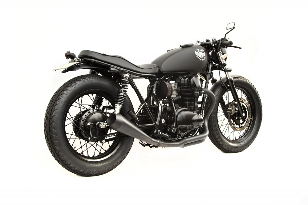 Kawasaki W650 custom 1 Le Gicleur Noire by Deus Ex Machina