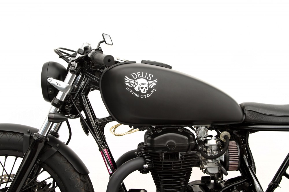 Kawasaki W650 custom 3 Le Gicleur Noire by Deus Ex Machina