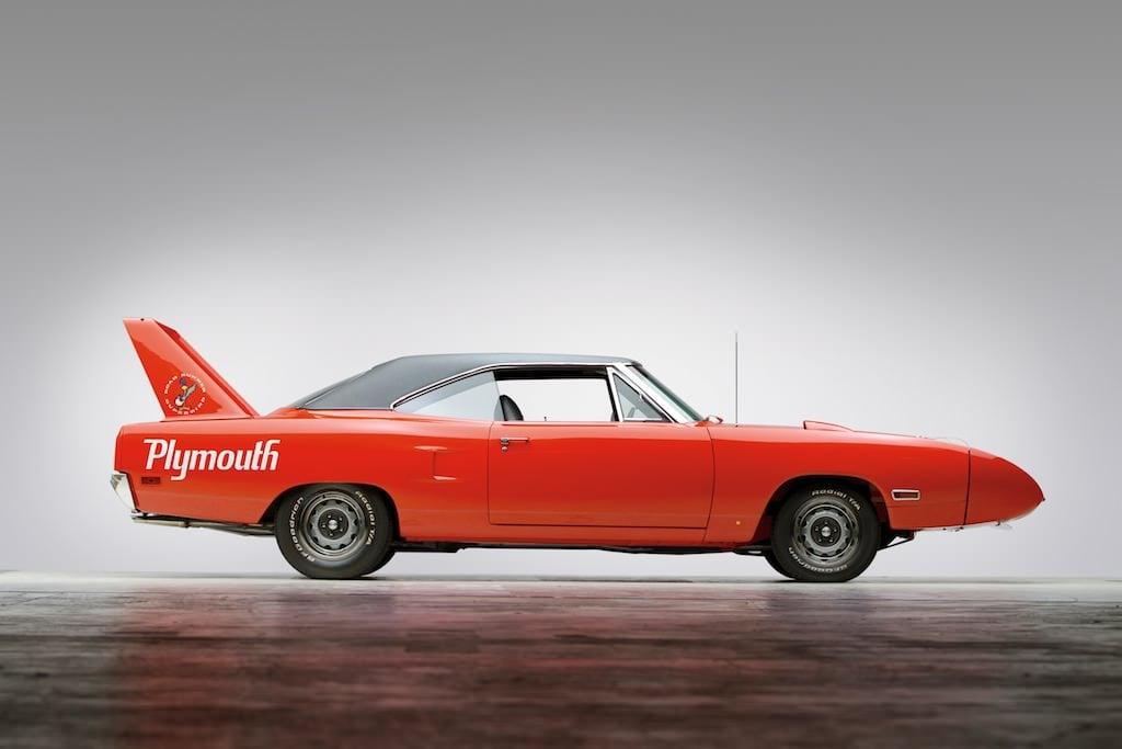 Plymouth-Road-Runner-Superbird.jpg