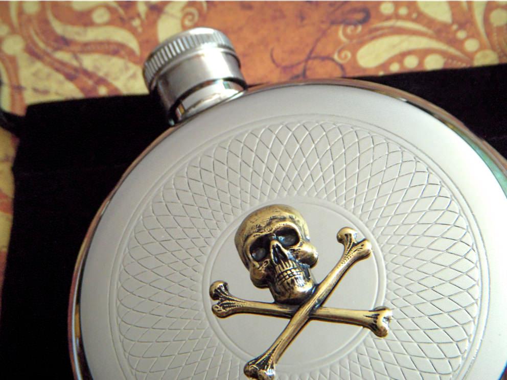 Skull & Crossbones Hip Flask