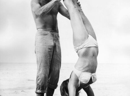 Ursula Andress Sean Connery 450x330 - Ursula Andress Handstand