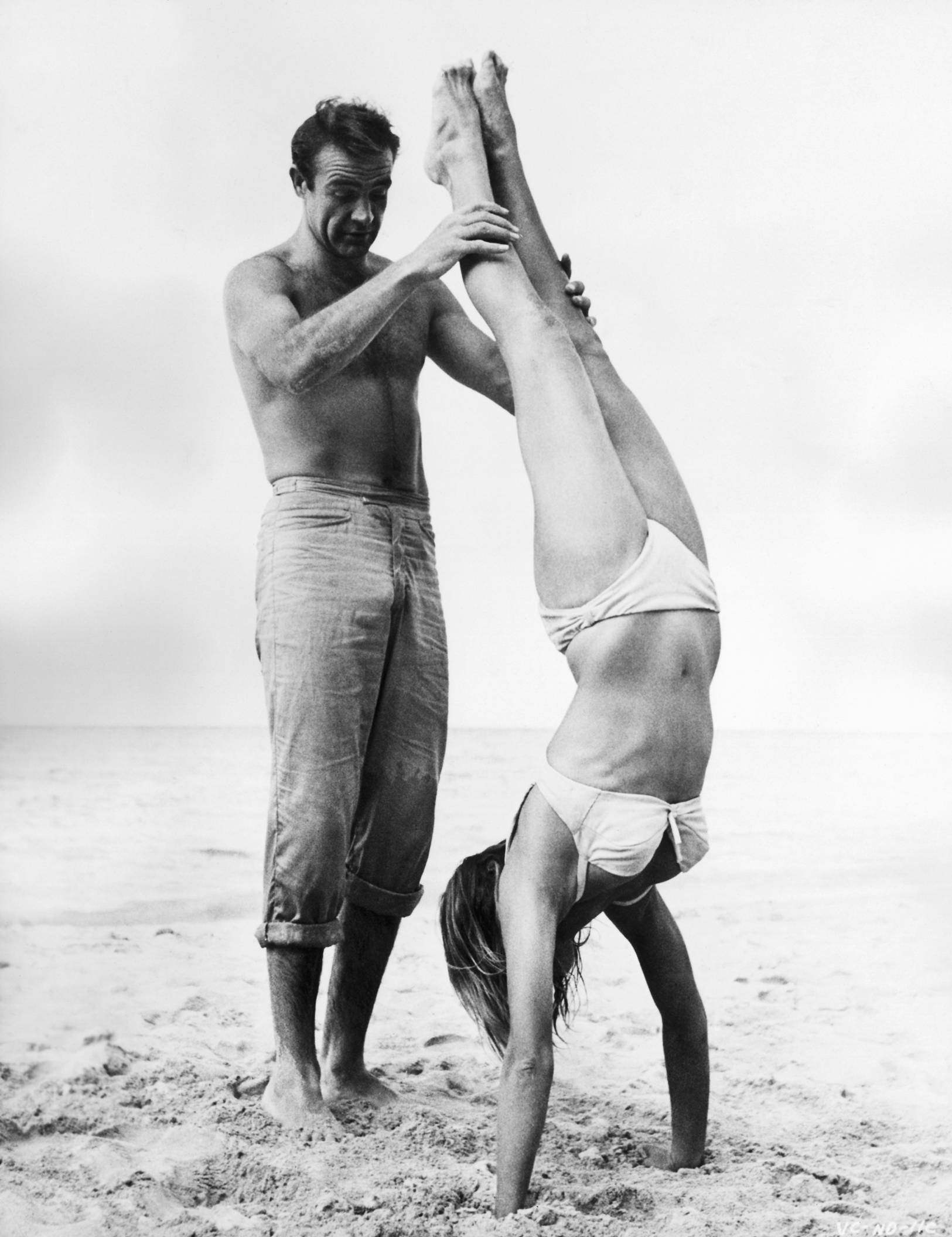 Ursula Andress - Sean Connery